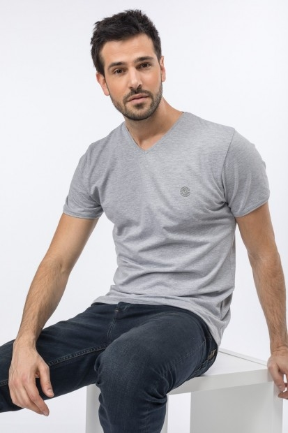 tee-shirt col V pour homme manches courtes
