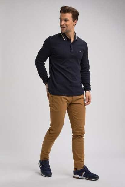 silhouette homme polo manches longues